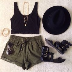 Sunday Funday #OOTD✨ Loving this look styled with our Olive Shorts