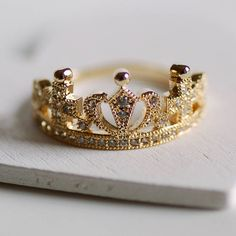 Highland Angel Dainty Crown Ring ($18) ❤ liked on Polyvore featuring jewelry, rings, crown jewelry and crown ring