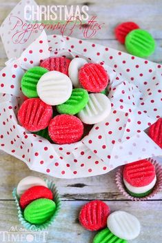 Christmas Peppermint Patties by Mom on Timeout and other great Christmas desserts