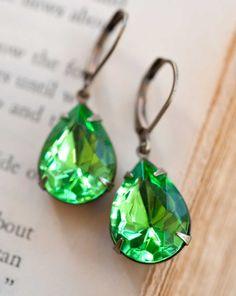 Vintage Earrings, Estate Style Vintage Glass Fern Green Pear Shaped Earrings.