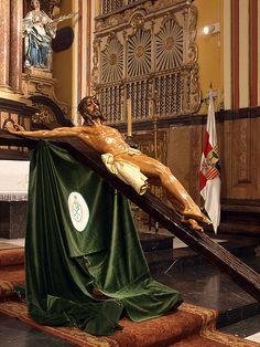 Via Crucis del Santo Cristo de La Tercera Palabra . Cofradia de Las Siete Palabras y San Juan Evangelista de Zaragoza.