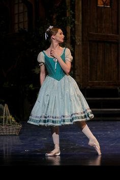 "Evgenia Obratzova in ""Giselle"" (Bolshoi Ballet). Photo by Marc Haegeman ❤❦♪♫ Theatre Costumes, Tutu Costumes, Ballet Costumes, Costume Ideas, Bolshoi Ballet, Ballet Dancers, Ballet Tutu, Little Ballerina, Ballerina Dress"