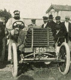 Dorothy levitt driving a napier at the inaugural brighton for Bennett motors great falls mt