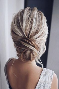 Tonyastylist long wedding hairstyles and updos frisuren haare hair hair long hair short Easy Bun Hairstyles, Elegant Hairstyles, Bride Hairstyles, Hairstyle Ideas, Bridesmaid Updo Hairstyles, Bridesmaid Hair Bun, Beautiful Hairstyles, Hairstyles For Dresses, Bridesmaids Updos