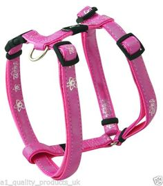No choke mesh dog harness by Gooby. This Gooby Comfort Harness has