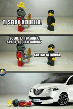 Battements sordides - New Ideas Lego Humor, Lego Memes, Memes Humor, Jokes, Funny Images, Funny Photos, Lego Hacks, Gruseliger Clown, Italian Memes