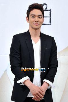lee kyu han Korean Actors, Kdrama, Men, Kpop, South Korea, Guys