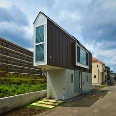 This Tiny Triangle-Shaped House Is An Unbelievably Luxurious Dream Home Inside.  Architect Kota Mizuishi of Mizuishi Architect Atelier built a home on a 594-square-foot triangular plot of land on the riverside of Horinouchi, Japan.