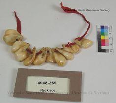 Фрагмент ожерелья из лосиных зубов. Период 1900 гг. Брюле Сиу, Роузбад.