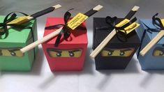 Caixa box para guloseimas confeccionada e decorada com papel 180gr.    Acompanha hashi, fita e tag de agradecimento.    Trabalhamos com agendamento dos pedidos, por isso o prazo de entrega varia de acordo com a disponibilidade de agenda (15 a 20 dias úteis). O prazo para entrega/confecção começa ...