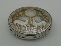 Antique George Ii Silver And Mother Of Pearl Snuff Box England Circa 1740 - 1750   443189   Sellingantiques.co.uk