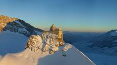 Höhepunkt jeder Schweizer Reise: Jungfraujoch – Top of Europe. Umgeben von Gletscher und ewigem Schnee. Aussichtsplattform mit fantastischem Panorama.