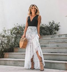Super Ideas For Sport Party Outfit Women Party Outfits For Women, Summer Outfits, Outdoor Party Outfits, Tropical Outfit, White Lace Skirt, Beach Skirt, Beachwear Fashion, Plus Size Swimwear, Skirt Outfits