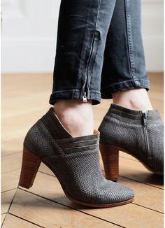 SÉZANE / Morgane Sézalory - Bottines Clyde - www.sezane.com/fr/ #sezane #frenchbrand #boots #heels