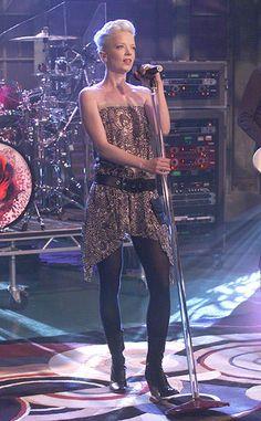 Shirley Manson's Dark, Sexy Style Makes Us Yearn for the Shirley Manson, Mazzy Star, Divas, Stupid Girl, Women Of Rock, Riot Grrrl, 20th Century Fashion, Metal Girl, Rock Chic