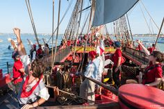 The crew at sea - http://www.visit-poitou-charentes.com/en/Poitou-Charentes-Blog/News-Offers/The-Frigate-Hermione-making-waves-across-the-Atlantic