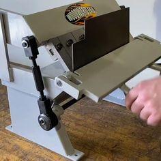 Sheet Metal Tools, Metal Bending Tools, Metal Working Tools, Work Tools, Sheet Metal Bender, Metal Fabrication Tools, Tool Box Diy, Metal Workshop, Garage Tools