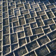 Milano-kivet talviasussa Shape And Form, Shapes