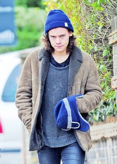 Guess who's back. Back again. Beanie's back, tell a friend... but prob only one who cares about One Direction and Harry Styles, because otherwise it won't matter. Aha.