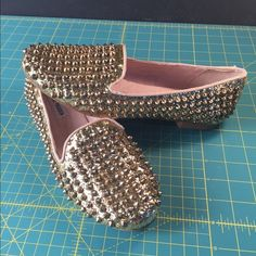Steve Maden Gold Studlyy 8 1/2 M Steve Madden gold studded loafers. Worn once and in great condition! Little signs of wear on the bottoms as seen in the pictures. Steve Madden Shoes Flats & Loafers