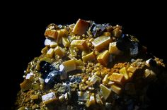 全部尺寸   Wulfenite from the Glove Mine , Arizona   Flickr - 相片分享!