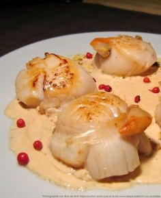 Pan-fried scallops with champagne sauce - Elsa Tesfamicael Fish Recipes, Seafood Recipes, Sauce Champagne, Cooking Time, Cooking Recipes, Scallop Recipes, Xmas Food, Fish And Seafood, Food To Make