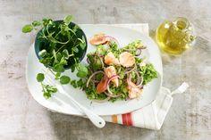 Kijk wat een lekker recept ik heb gevonden op Allerhande! Zalm met… Fish And Meat, Fish Dishes, Spinach, Onion, Sushi, Salmon, Seafood, Spices, Appetizers