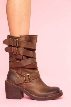 i could NOT love Jeffrey Campbell anymore than i already do...my feet need these.