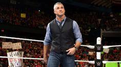 Shane McMahon kicks off Raw in Chicago.