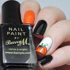 Instagram media marinelp91 -  Halloween  #nail #nails #nailart