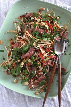 Mat på Bordet: Asiatisk biffsalat med kål