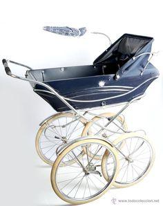 This thing is Sprung! Pram Stroller, Baby Strollers, Vintage Pram, Prams And Pushchairs, Baby Prams, Baby Carriage, Wheelbarrow, Kids And Parenting, Miniature