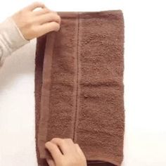 Teddy bear, from a towel min) Pliage serviette en nounours. Fun Crafts, Diy And Crafts, Crafts For Kids, Kids Diy, Baby Crafts, Towel Animals, Towel Crafts, Napkin Folding, Kids And Parenting