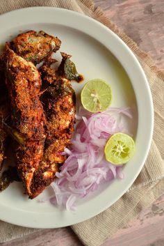 Karnataka Style Mackerel Fry | Bangada Fry | Rava Fish Fry | kurryleaves Surimi Recipes, Endive Recipes, Veg Recipes, Curry Recipes, Seafood Recipes, Recipies, Fried Fish, Fish Fry, Indian Prawn Recipes