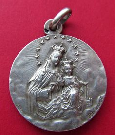 Antique Scapular Religious Medal French Silver Virgin Mary Of Mount Carmel Sacred Heart Of Jesus Lady Of Mount Carmel, Catholic Medals, Heart Of Jesus, Small Words, Sacred Heart, Bronze Sculpture, Virgin Mary, Our Lady, French Antiques