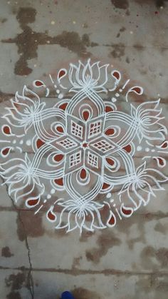 Rangoli Designs Latest, Rangoli Designs Flower, Rangoli Border Designs, Small Rangoli Design, Rangoli Designs Diwali, Beautiful Rangoli Designs, Kolam Designs, Mehandi Designs, Lotus Rangoli