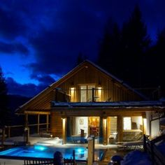 Style At Home, Infinity Pool, Cabin, House Styles, Home Decor, Open Fireplace, Forest House, Luxury, Tips