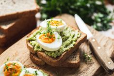 Navigating how to get more protein can be tough when you're bored with your healthy breakfast. Supercharge your day with these high-protein breakfast recipes. Protein Packed Breakfast, Breakfast Toast, Breakfast Recipes, Avocado Toast, Mashed Avocado, Avocado Egg, Hangover Food, Fries In The Oven, Avocado Recipes