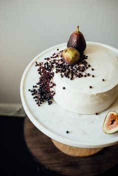hazelnut layer cake w/ fig compote + (vegan) cream cheese frosting — dolly and oatmeal Sub flax eggs in layer cake to veganize. Cupcakes, Cupcake Cakes, Vegan Cream Cheese Frosting, Cake Recipes, Dessert Recipes, Naked Cakes, Bolo Cake, Hazelnut Cake, Sweets