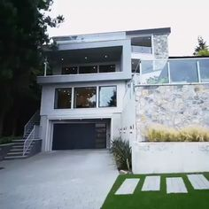 More Than 42 videos dream house Modern Small House Design, Dream Home Design, Home Design Plans, Modern House Floor Plans, Dream House Plans, Luxury Homes Dream Houses, Modern Mansion, Ranch Style Homes, Architectural Design House Plans