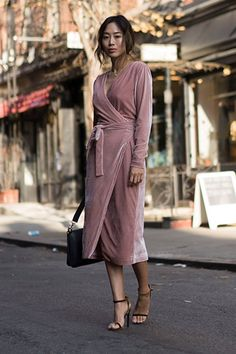 The most stressful part of wedding season is what to wear. To help, we found 13 wedding-guest outfit ideas that aren't the same old sheath dress. Fashion Moda, Fashion 2018, Modest Fashion, Fashion Outfits, Womens Fashion, Winter Dress Outfits, Skirt Outfits, Outfit Winter, Frack