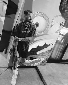 Instagram post by BREEZY • Aug 10, 2021 at 7:45am UTC Chris Brown Fotos, Chris Brown X, Breezy Chris Brown, Chris Brown Pictures, Dope Outfits For Guys, Cool Poses, Black Men, Husband, Instagram Posts