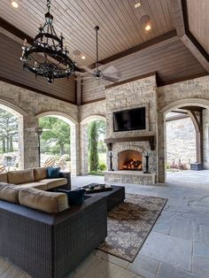 What do you think of this huge patio? Would you want an outdoor space like this at your home?