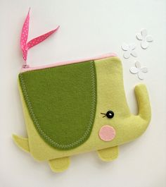 Wee Elephant Pouch in Yellow and Green от blueberrybandit на Etsy