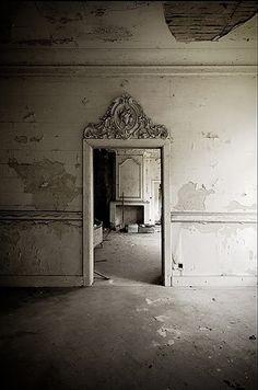Ruin, white rooms