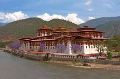 Stunning Thimphu and Paro Tour: This summer fix a holiday date with Bhutan the last Himalayan kingdom.