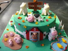 Gorgeous little Indy had her Birthday today. Party was a Barnyard theme - complete with real baby farm animals! Farm Birthday Cakes, Farm Animal Birthday, 3rd Birthday, Farm Yard Birthday Party, Farm Party, Birthday Ideas, Barnyard Cake, Farm Cake, Farm Animal Cakes