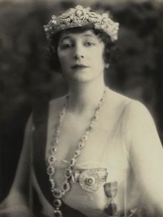 Grace Elvina née Hinds- Marchioness Curzon of Kedlestone in what appears to be a pearl and diamond tiara