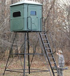 What the heck!! What kind of hunting blind is that. A porta-john!!!