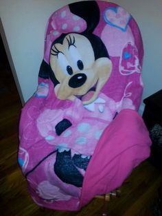 Minnie Mouse Fleece Blanket by WreathClothsbyDee on Etsy, $27.00